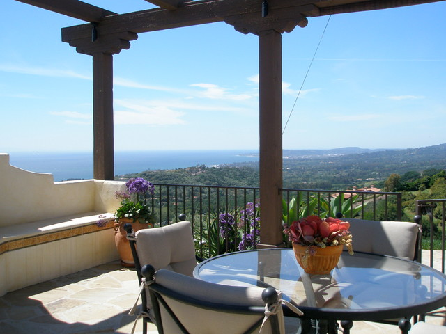 Vista Linda Lane mediterranean-patio