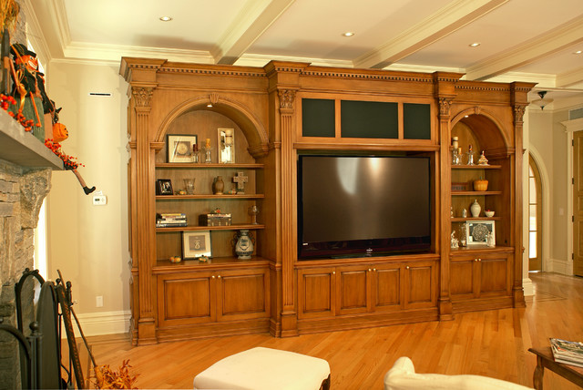 Media Unit traditional-family-room
