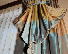 Residence in Franklin, WI traditional-curtains