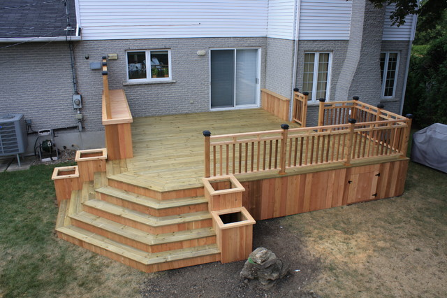 CEDAR&WOOD PATIO DECK modern 