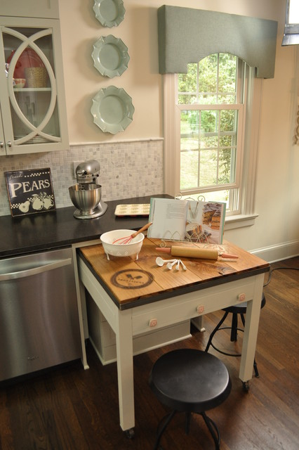 HGTV-living room, kitchen and more traditional