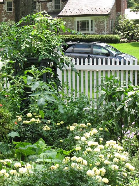 Kitchen Gardens traditional-landscape
