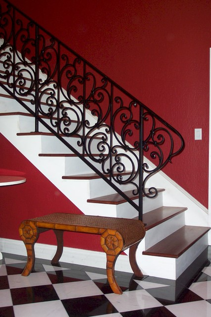 Interior staircase guardrail traditional