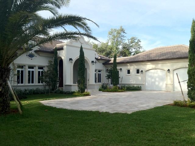 Villa Carles eclectic