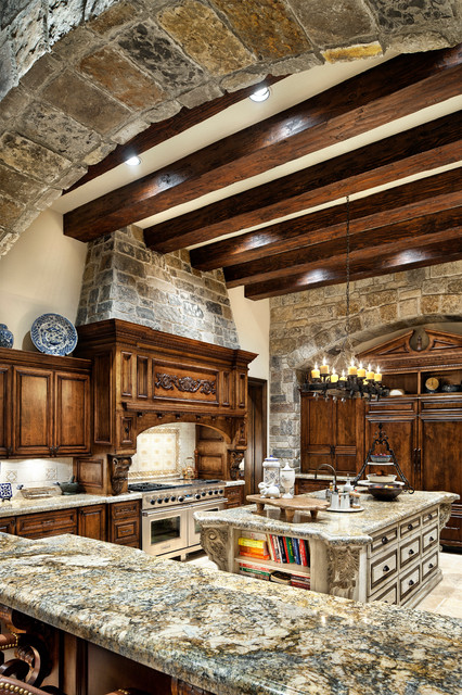 English Traditional traditional-kitchen