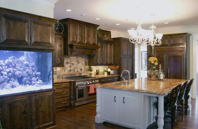 Job # 09-670 - Traditional - Kitchen Cabinetry - dallas - by C&S Cabinets, Inc