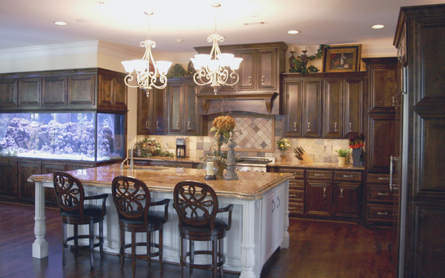670 Traditional Kitchen Cabinetry Dallas By C S Cabinets Inc