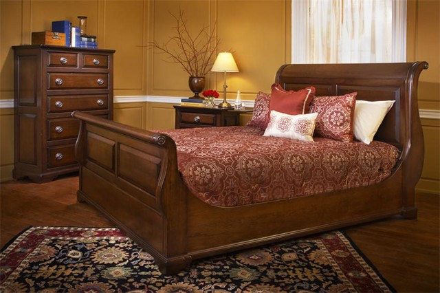 amish coventry sleigh bedroom set traditional bedroom