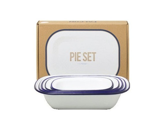 Enamel Pie Set, Blue Rim -