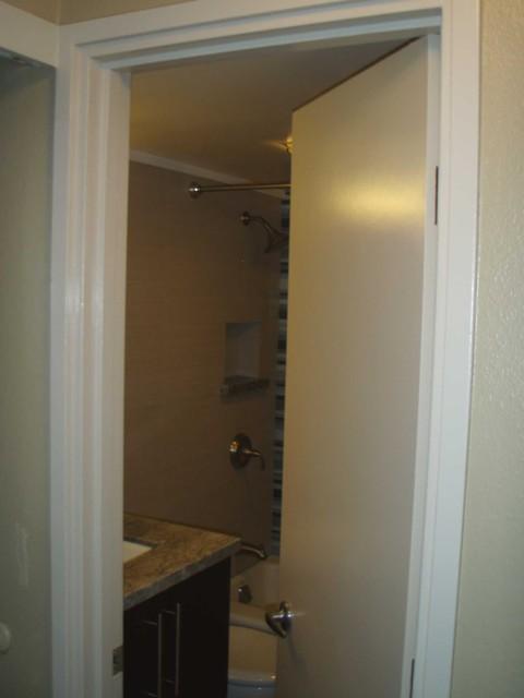 Hotel style bath in a small 5' x 7' space contemporary-bathroom