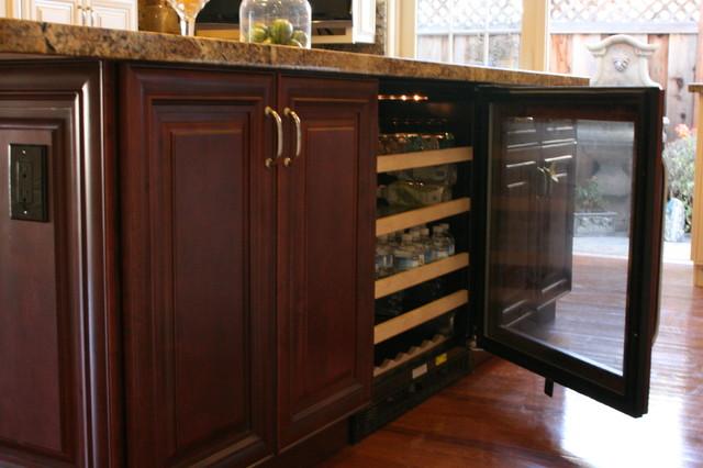 High Quality Stock/ Semi-Custom Cabinets traditional
