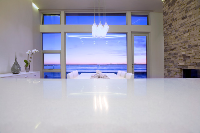 990 Oceanfront-Dennis Owen Photography contemporary-dining-room