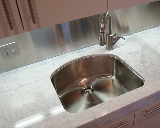 "Classic undermount sink UC-SS-CL-S3 (16G) - UltraClean Undermount Kitchen Sinks  by Create Good have a seamless, perfectly formed drain. This UltraClean D-Bowl Sink (also known as an ""Eyebrow"" Sink) is perfect for families desiring the highest sanitary standards all the way to the drain."