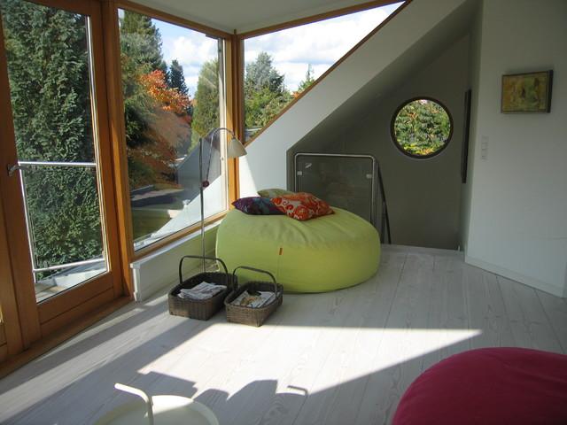 livingroom contemporary-family-room