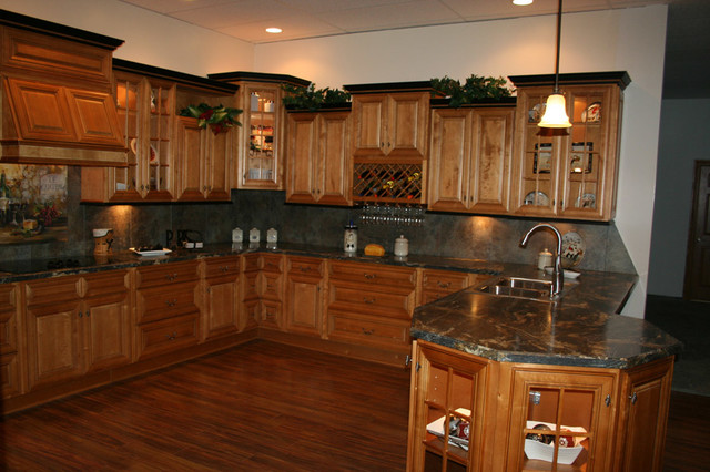 Mocha Kitchen Cabinets Home design traditional-kitchen-cabinetry