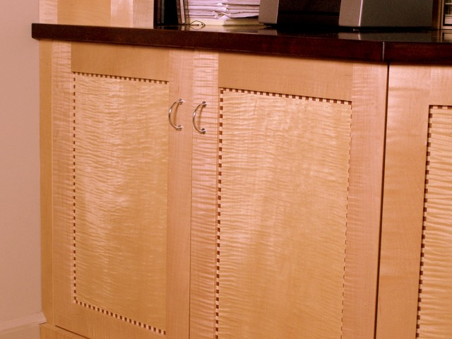 Built-in Desk detail contemporary-home-office