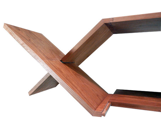 Halshugget  Shelves -