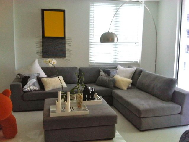Carlos Modern Sectional In Grey 1639 Contemporary Living Room Miami