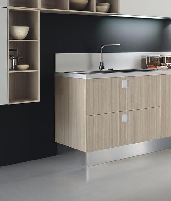 Italian kitchen cabinet organization and close up images for Italian kitchen cabinets