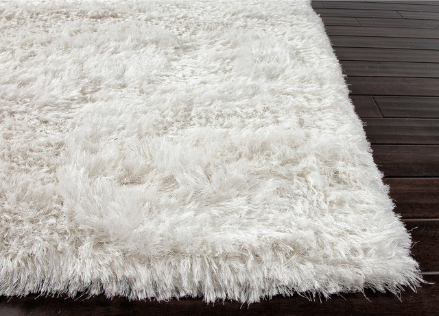 CHARLOTTE & IVY Favorite Additions Spring 2013 traditional-rugs