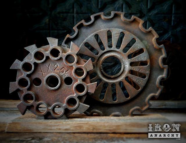Antique Industrial Gear Decor industrial-home-decor