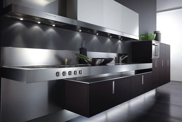 Italian Kitchen Cabinet Organization and Close-up Images ...