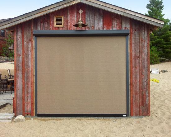 Titan Screen Kramer Residence - Titan Screens as exterior window coverings utilizing Sunbrella Tresco Birch fabric.