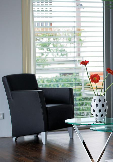liz franz fertig loveseats miami by the collection german furniture. Black Bedroom Furniture Sets. Home Design Ideas