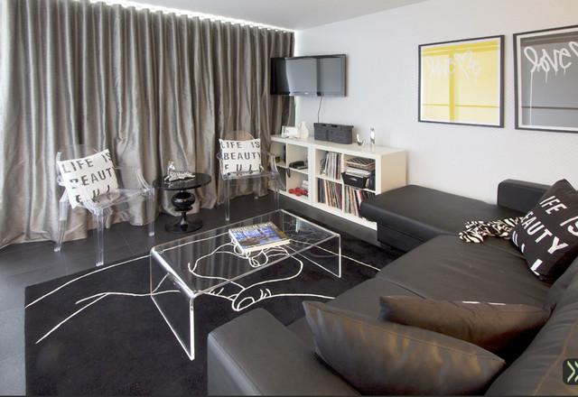 Traveling DJ's Studio Apartment - Contemporary - Living Room - new york