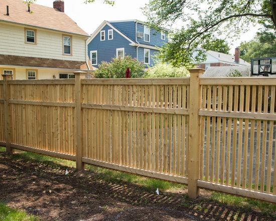 Westchester Cedar Picket Fence -