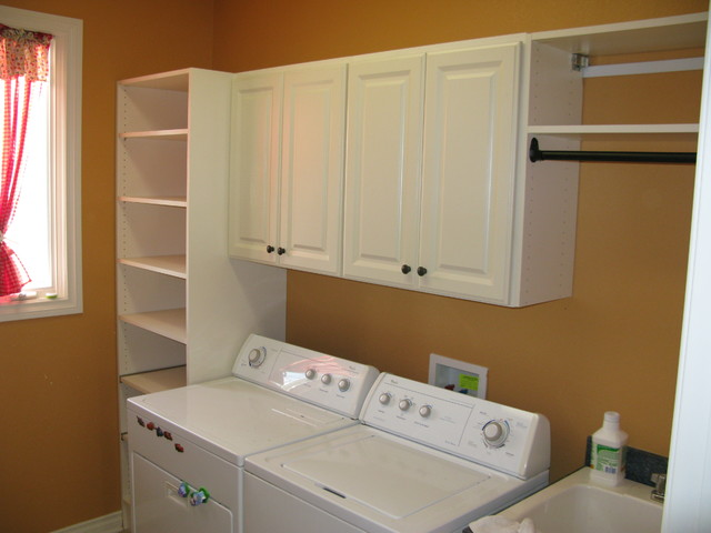 Laundry / Mud Room - Traditional - Laundry Room - other metro - by Custom Storage Solutions