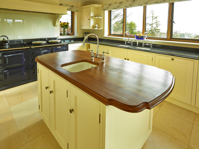 Guildford painted kitchen traditional-kitchen