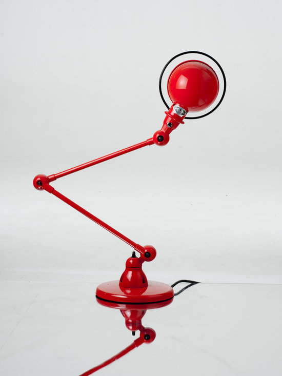 Jielde - French Signal Desk Lamp S1333 by Jielde - Jielde Signal Desk Lamp S1333 by Jielde is the smaller sibling of the larger Jielde Loft lamp. The classic Signal french industrial design provides the ability to twist and turn at the joints, a robust and articulated design that just adapt to any working environment.