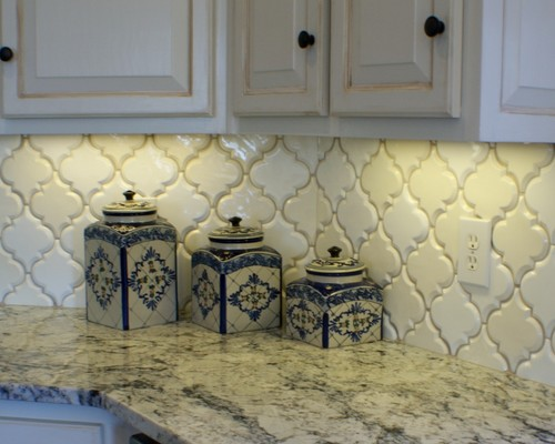 White Ice Granite White Cabinets Backsplash Ideas