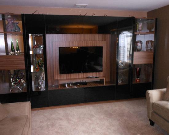 Victor Wall Unit Black Glass & Walnut -