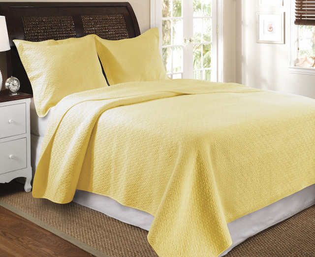 Vashon 3-Piece Quilt Set-Yellow contemporary-quilts-and-quilt-sets