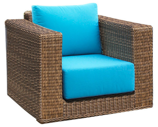WickerParadise - Outdoor Wicker Swivel Chair - There's no reason an outdoor chair shouldn't be as comfortable as any other you have inside your home. With a deep seat and comfy cushions, this wicker chair is perfect for enjoying the warmer months.