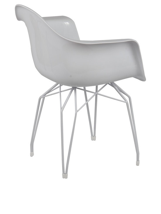 Diamond Armchair by Kubikoff - Diamond is the name of a collection by Stolt design, which includes tables, chairs, small armchairs, stools and accessory tables. The motif that marks out the structure creates a harmonious geometry of lines that recalls the cut of a diamond. The motif, recurring on the various articles, becomes a linking element and creates an original and functional line of furniture. Available in the chrome-plated, white and black versions.