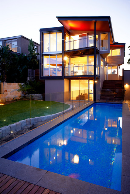 Seavview House contemporary-pool