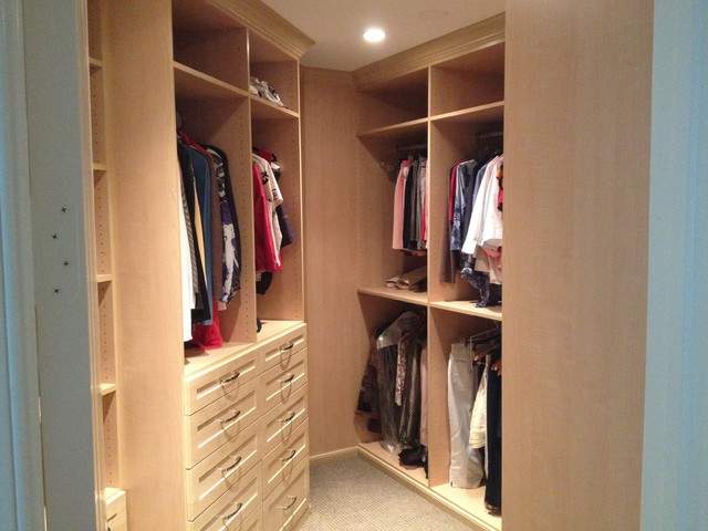 Great Use Of Space Odd Shaped Closet Traditional