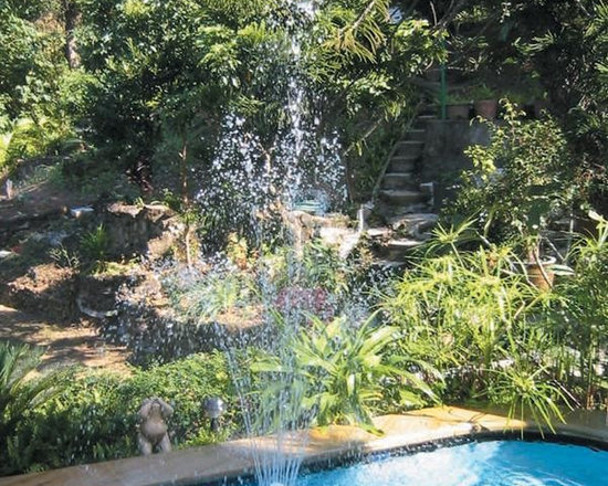 Grecian 3-Tier Floating Swimming Pool Fountain - -Transform your backyard pool into a Grecian paradise