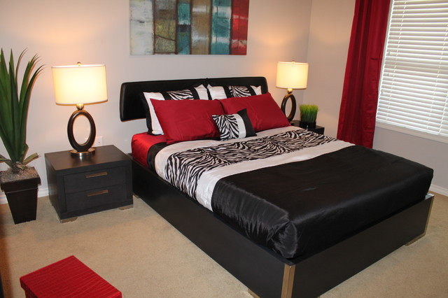 Heseltine Rd. Condo- Staging Project contemporary