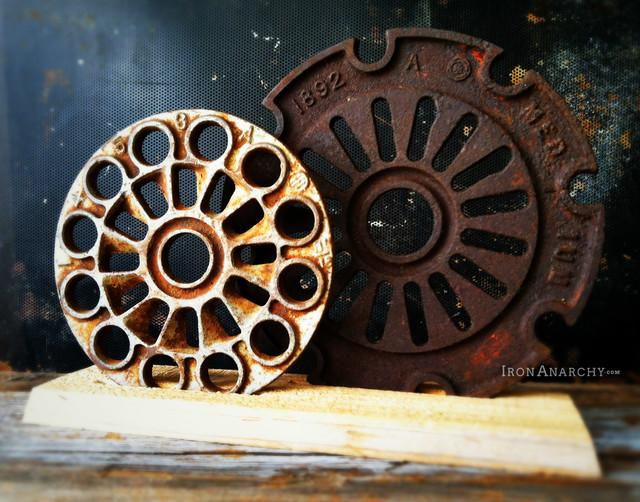 Antique Industrial Gear Decor industrial-artwork