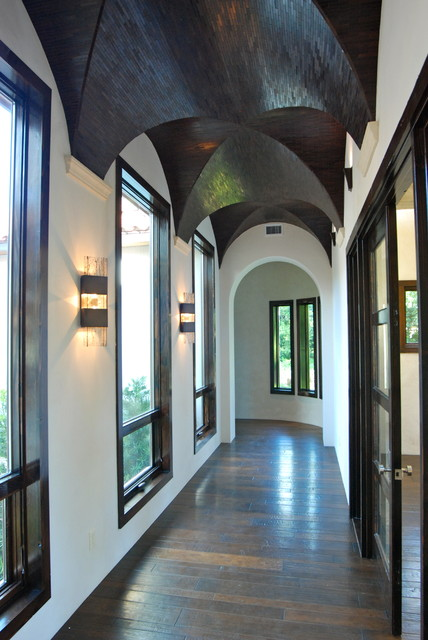 Decorative Touches by Stadler Custom Homes mediterranean-hall