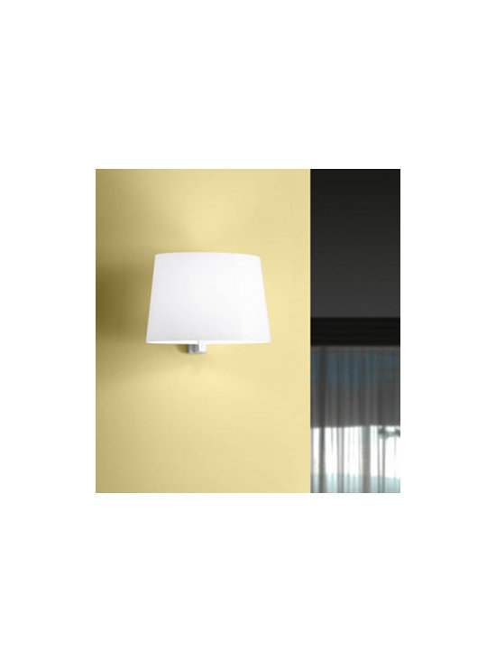 Marlowe P Wall Lamp \ Sconce By Leucos Lighting - Marlowe P from Leucos is a wall lamp with a glossy white elliptical shaped blown glass diffuser.
