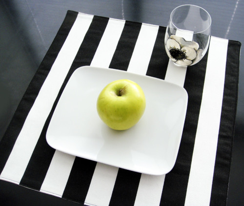 black and white striped placemats set of 4 placemats new york by. Black Bedroom Furniture Sets. Home Design Ideas