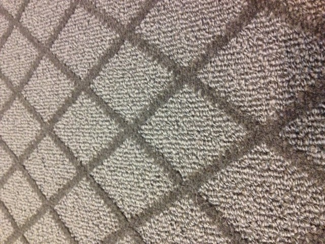 Paragon Wool Diamond Pattern Carpet Traditional Area