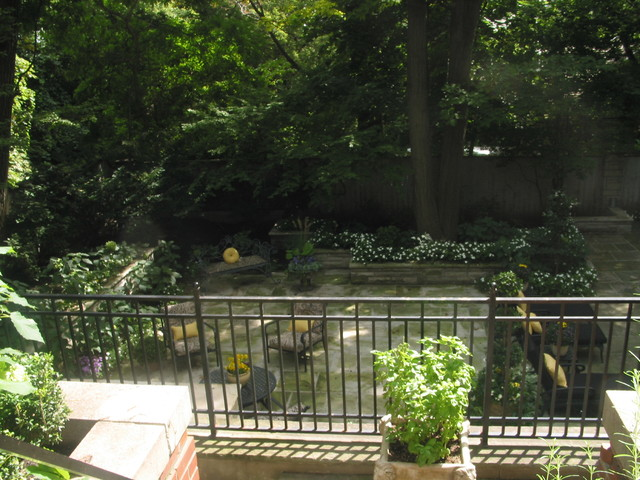 Forest Hill Garden traditional-patio
