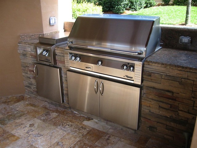 outdoor kitchens traditional
