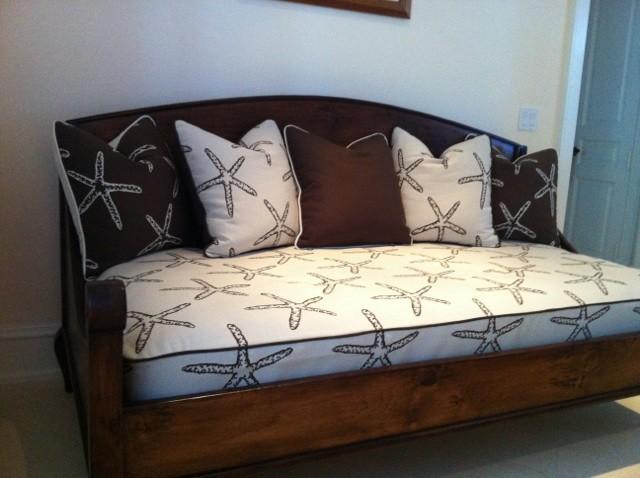 Jupiter Island (GT) traditional-bedroom